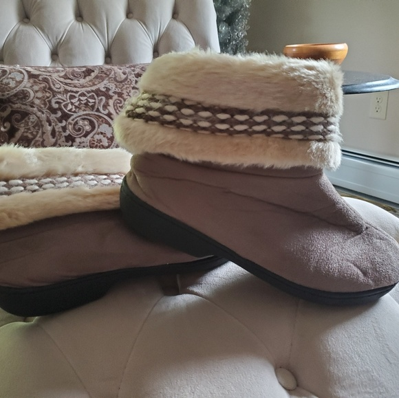 isotoner Shoes - Isotoner Comfy Furry Top Slippers